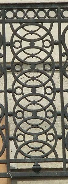 Paris, 01, b Henri IV, 1, parapet_cercles entrelacés_PETITE