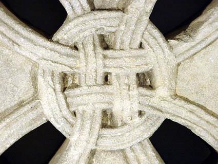 croix antefixe_4F_normandie_abbaye aux dames_caen_musée_