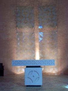 IDF_Jouarre_église_abbaye_autel_verre_03