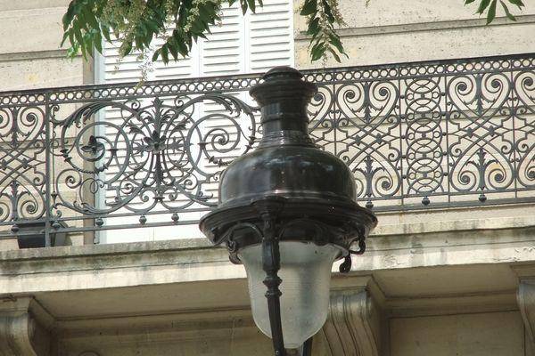 Paris, 01, b Henri IV, 1, parapet_PETITE