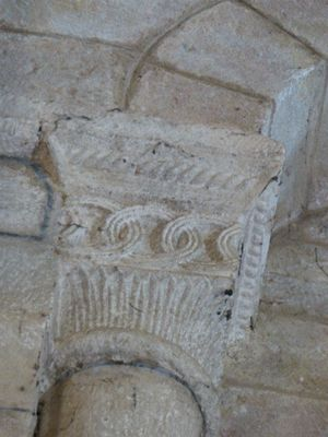 Lot_Le Bourg_église Saint Martin_chapiteaux_cerles_300_P0100010
